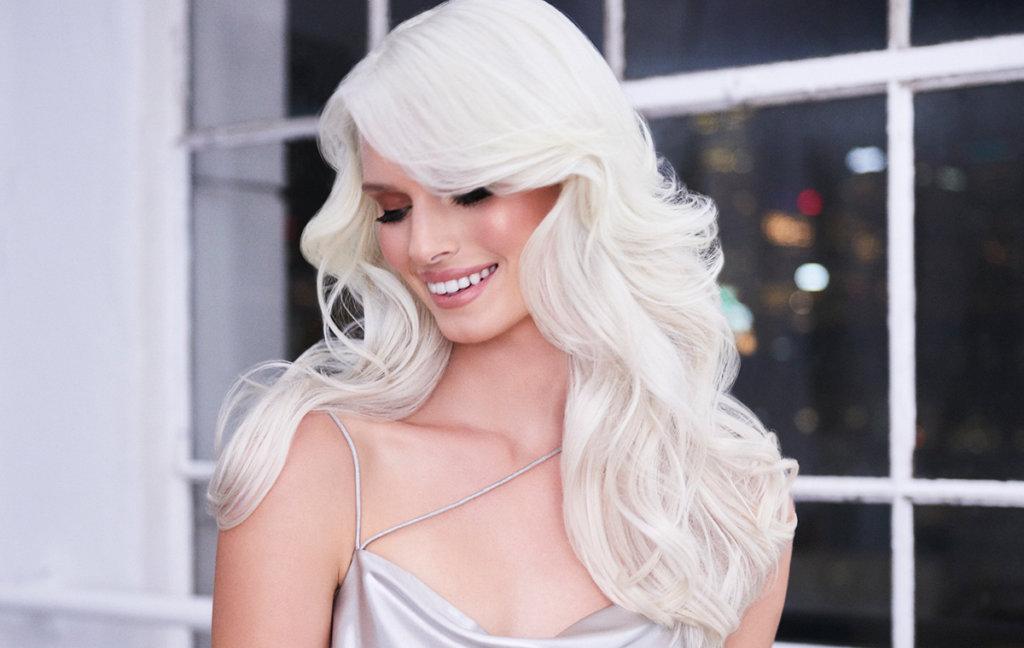 Blonde Life creme lightener model