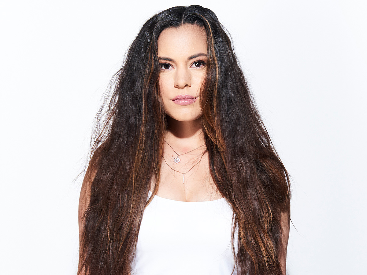 Defy Damage Model Hair Before